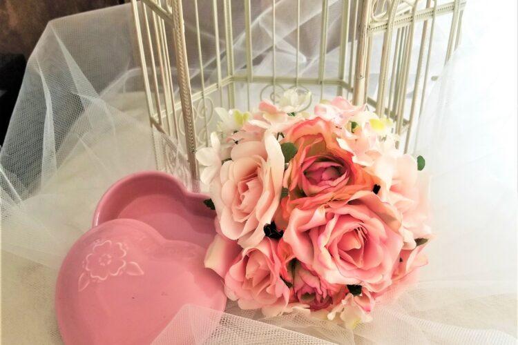 bridal-bouquet-birdcage